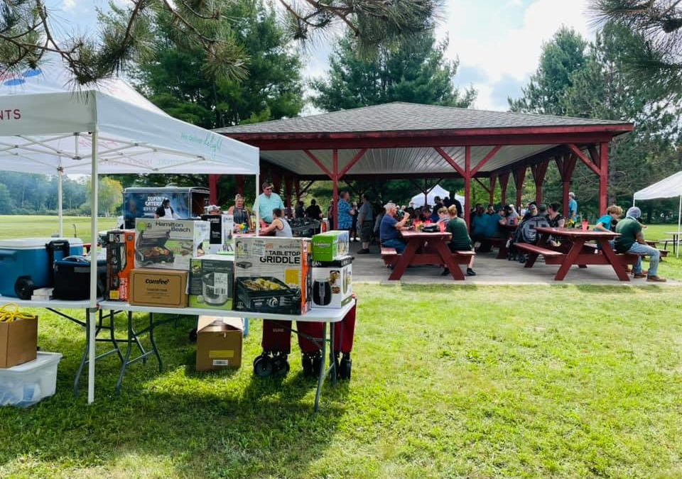 Graceland Fruit Holds Annual Company Picnic